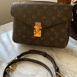 Handbags - Pochette Metis